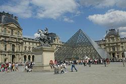 photographie Paris pyramide du Louvre